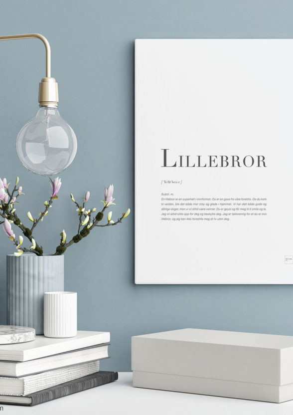 LILLEBROR-30x40cm
