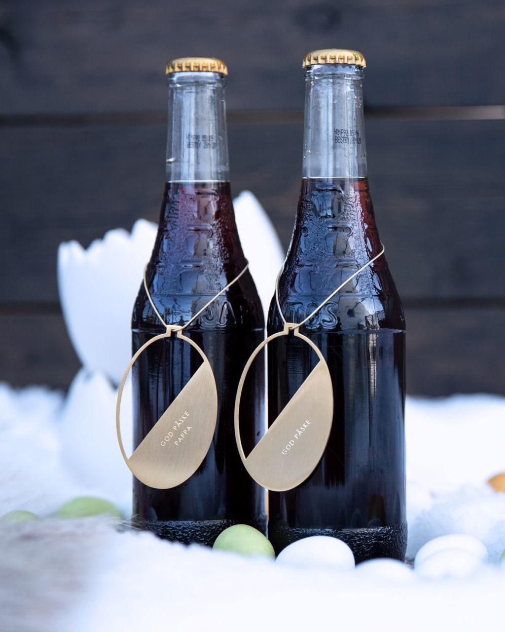 Påskepynt på flasker