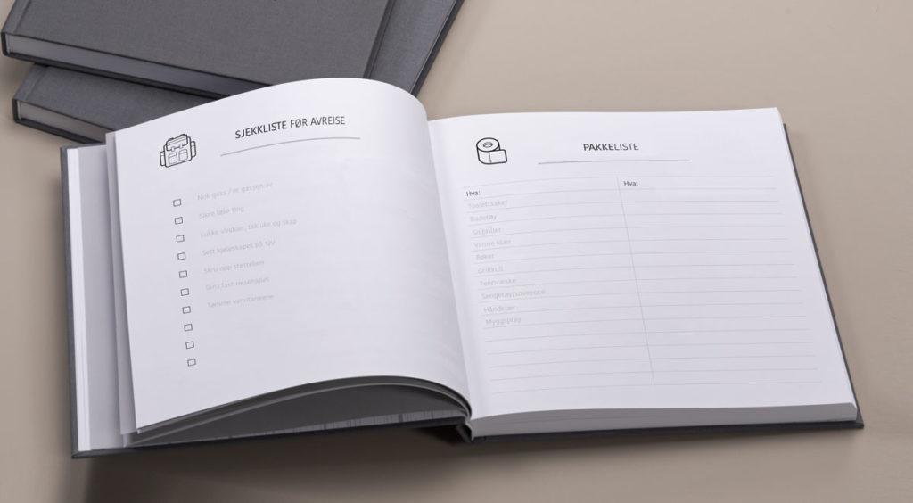 Inneholder diverse lister. F.eks. sjekkliste før avreise, pakkeliste, sjekkliste sesongstart og -slutt.
