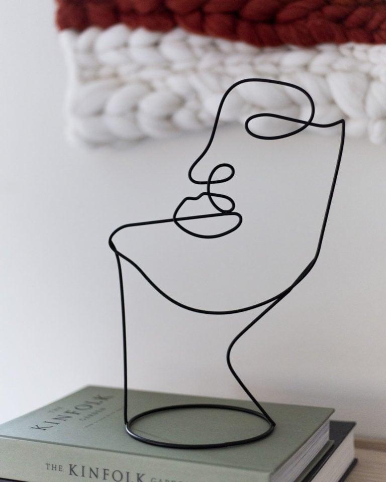 Kunst figur formet som ansikt